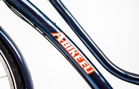 Rent a city bike with a handmade quality frame