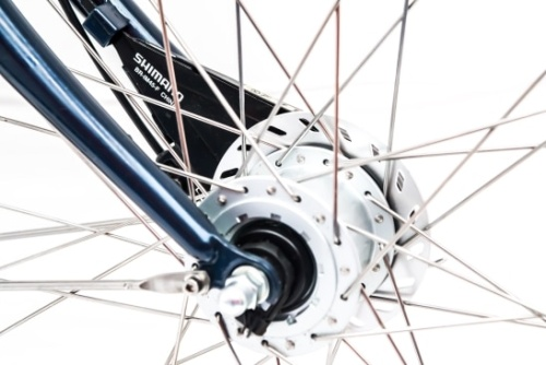 Rent a city bike with front rollerbrakes