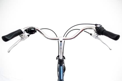 Rent a city bike with adjustable steer height